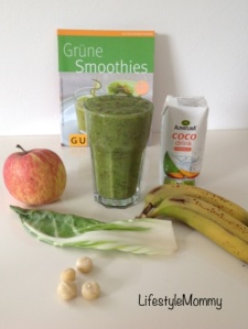 Food – Green Smoothie für Mommys mit Mangold, Chiasamen & Kokos